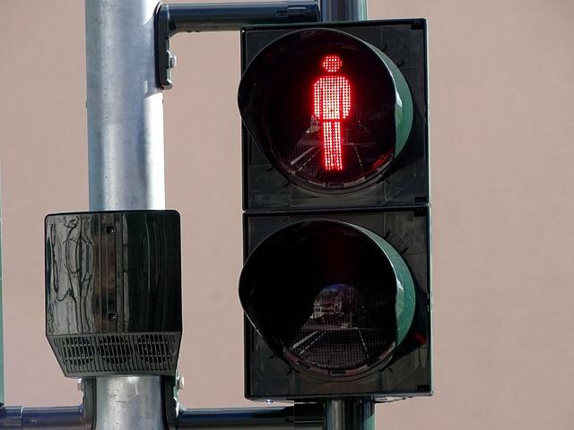 traffic-lights-2119804_640